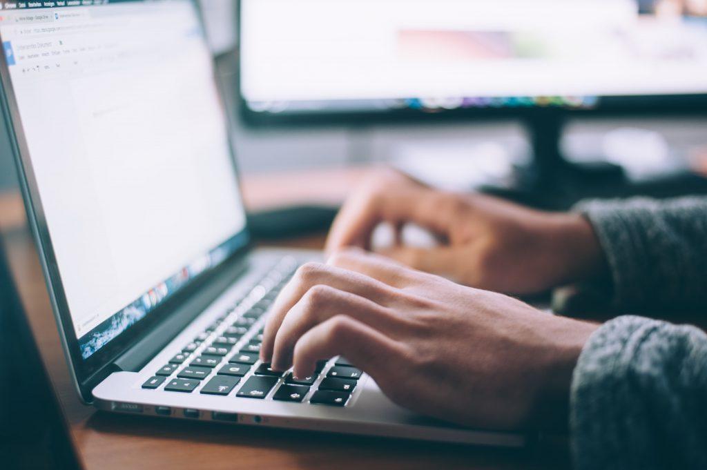 Jak napisać pracę licencjacką ? Sześć kroków do sukcesu